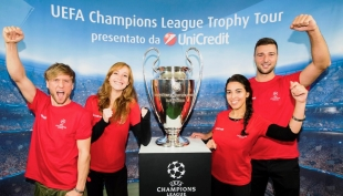 L'UEFA Champions League Trophy Tour: la Coppa dalla Grandi Orecchie al Royal Hotel Carlton