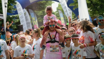 THE COLOR RUN 2019 #LoveTour - Un'esplosione di colori ha invaso Parma.