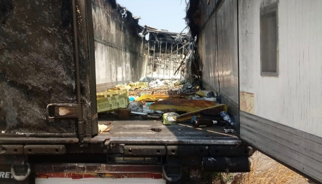 Decoro urbano: Sp343 Container incendiato con discarica all'interno