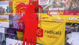 Sit-in radicale, disturbato da gruppo universitario