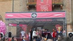 """La trasmissione """"Speciale Giro d'Italia"""" fa tappa al Bar Guareschi di Roncole"""