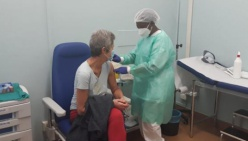 Coronavirus: al via le prime somministrazioni delle seconde dosi di vaccino agli operatori sanitari. Continuano le vaccinazioni nelle residenze per anziani