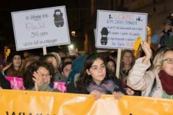Donne vittime di violenza, Unicredit sospende i mutui.