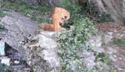 Una nuova scultura abbellisce piazzale Dante alla base della Pietra di Bismantova