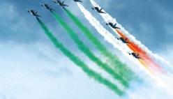 Le Frecce Tricolori volano sul cielo di Modena